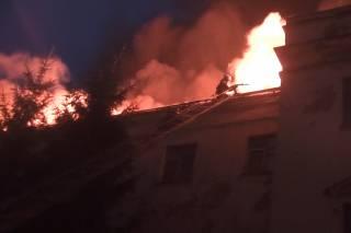 В Харькове из-за молнии произошел масштабный пожар в апелляционном админсуде. Повреждены компьютеры и оргтехника