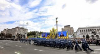 В День Независимости по Крещатику прошли иностранные войска