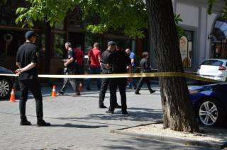 Группа молодых людей устроила стрельбу в центре Ивано-Франковска. Не обошлось без ранений