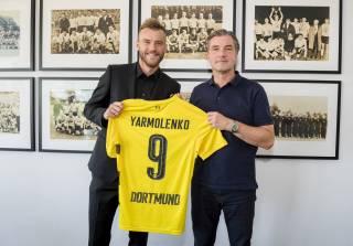 Ярмоленко официально перешел в дортмундскую «Боруссию». И уже получил футболку с номером 9