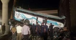 В Египте с эстакады упал автобус с туристами. Погибли 14 человек