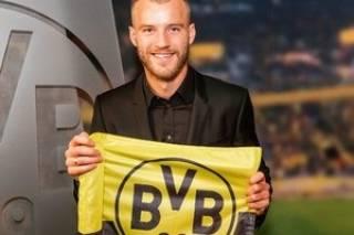 #Темадня: Соцсети и эксперты отреагировали на продажу Ярмоленко в немецкий клуб