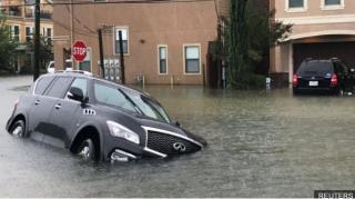 Число жертв урагана в Техасе, по данным СМИ, выросло до нескольких десятков. Трамп заявляет о рекордном ущербе