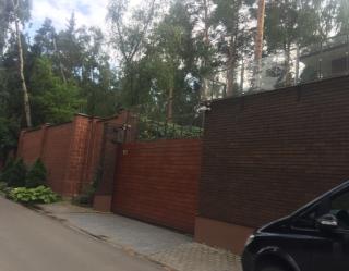 Журналистам удалось снять на видео имение, в котором возможно живет Янукович