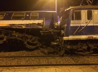 В Польше товарняк протаранил пассажирский поезд. Есть пострадавшие