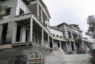 Недостроенная резиденция Януковича в Крыму досталась окружению Путина