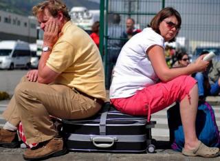 В аэропорту «Жуляны» застряли около сотни туристов, которым туроператор «забыл» оплатить рейс