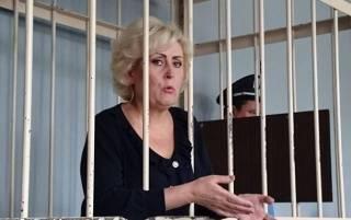 Экс-мэр Славянска Неля Штепа утверждает, что в СИЗО ее избил некий офицер Щербаков