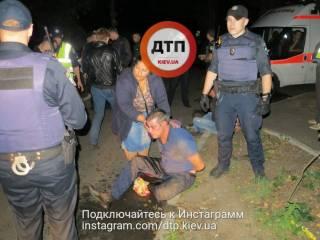 В Киеве пьяные ромы напали на полицейских