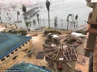 Очередной мощный ураган разрушил почти все здания на Барбадосе. Не повезло также Трампу, Брэнсону и Абрамовичу