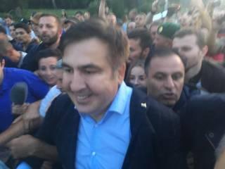 Сторонники Саакашвили прорвали пограничный кордон и завели Михо на территорию Украины