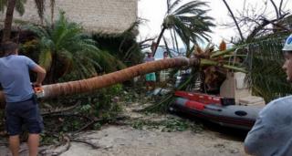 Ураган «Ирма» разрушил дома миллиардера Брэнсона