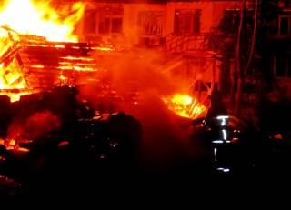 На пожаре в детском лагере в Одессе погибли двое детей. Еще одна девочка пропала без вести