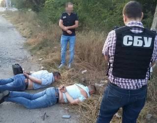 За три дня правоохранители разоблачили сразу две группы «оборотней в погонах»: в Кропивницком и Николаеве