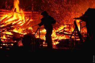 #Темадня: Соцсети и эксперты отреагировали на пожар в детском лагере «Виктория» в Одессе