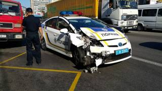 С начала года столичные патрульные разбили более 100 автомобилей. По своей вине — всего 17