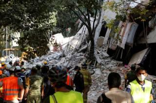 В Мексике произошло мощное землетрясение. Погибли более 200 человек, в столице рухнуло 44 здания