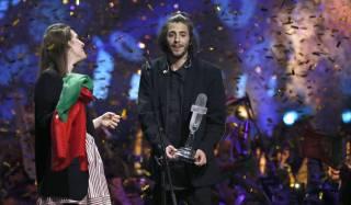 Победитель «Евровидения» в Киеве попал в больницу. Ему нужна срочная трансплантация сердца