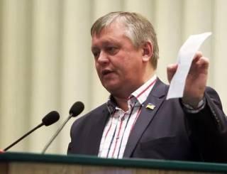 Депутат-радикал предложил купить упаковку «Пургена» и засунуть «каждому журналисту по таблетке в ср...ку»