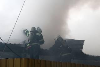 В Полтаве горел центральный рынок. Это второй крупный пожар с токсичными веществами за последние сутки