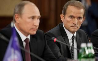 Медведчук ездит в Россию по поручению Петра Порошенко. Во как