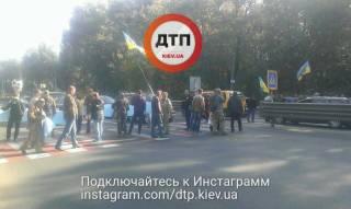 В Киеве десятки протестующих перекрыли трассы «Киев-Одесса» и «Киев-Чоп»