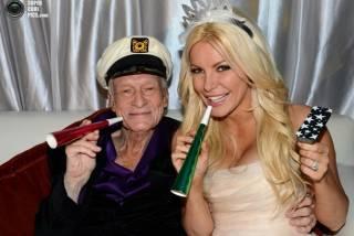Скончался основатель журнала Playboy Хью Хефнер. Пока он умирал, его вдова постила веселые сообщения