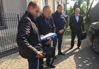 В Луцке за «волосатую лапу» схватили мужа одной из народных депутатов