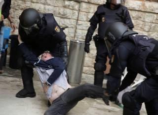 В Каталонии количество пострадавших увеличилось до 465 человек