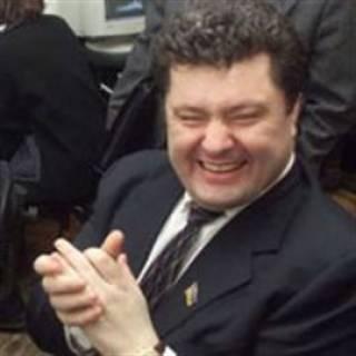 Пока Порошенко и Ко разворовывают бюджет, нас отвлекают шоу с языком