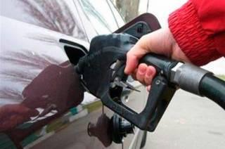Бензин и солярка на заправках продолжают дорожать. И, похоже, это еще не предел