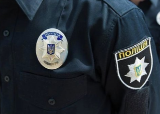 В Днепровском районе на светофоре из авто киевлянина украли миллион гривен