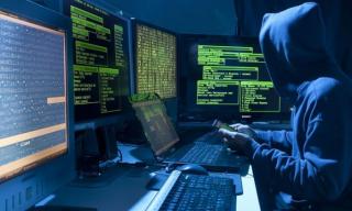 СМИ: Российские хакеры атаковали смартфоны военных на базах НАТО в Балтии и Польше