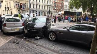 Возле одной из достопримечательностей Лондона автомобиль въехал в толпу людей