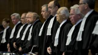 Почему Порошенко начал пугать армию и «добровольцев» Гаагским трибуналом?