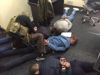 Сотрудники СБУ повязали банду псевдоколлекторов, которые требовали деньги у киевлян