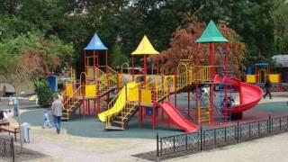 Некоторые детские площадки в Киеве опасны не только для здоровья, но и для жизни