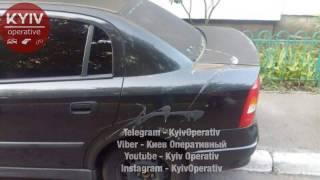В Киеве неизвестные продолжают обливать автомобили кислотой