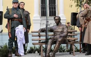 В Виннице открыли памятник Петлюре, который причастен к убийству тысяч невинных евреев