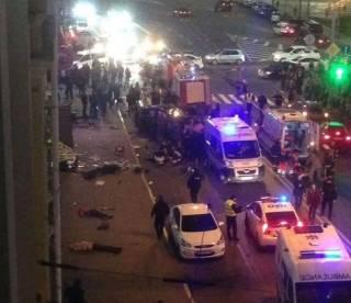 Количество погибших в харьковском ДТП увеличилось до шести. За рулем авто была 20-летняя дочь бизнесмена (добавлено видео)