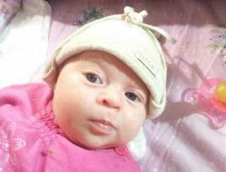 В Сети появилось видео вчерашнего похищения младенца в Киеве. Ребенка украла женщина