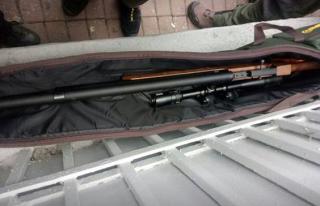 В центре Киева задержали мужчину с оружием, который направлялся к Верховной Раде