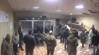 #Темадня: Соцсети и эксперты отреагировали на погром в Святошинском суде