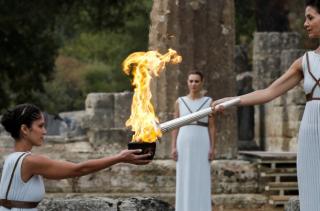 В Греции зажгли олимпийский огонь зимних Игр-2018