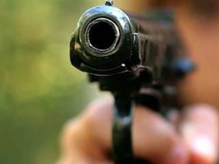 В Херсоне несовершеннолетний парень устроил стрельбу на детской площадке