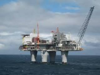 Западные санкции помешали России добывать нефть в Черном море