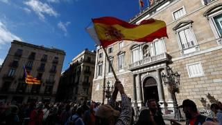 Распущенный парламент Каталонии подчинился Испании, Пучдемон обвинен в мятеже