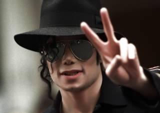 За последний год умерший Майкл Джексон «заработал» столько же, сколько живые братья Кличко