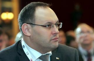 По словам Луценко, Панама экстрадировала Каськива в Украину. Портнов утверждает, что Каськив прилетел добровольно