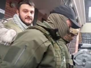 #Темадня: Соцсети и эксперты отреагировали на обыски у сына Авакова и его задержание